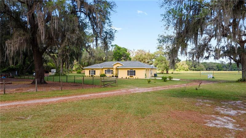 4075 SE 6TH WAY, BUSHNELL, Single-Family Home,  for sale, Ibia  Paradello, Ocala Realty World - Selling All of Florida